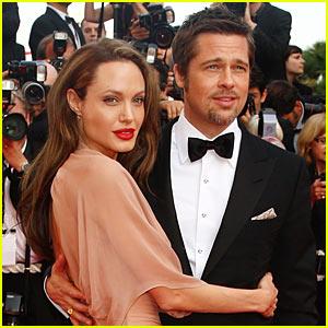 Brad Pitt and Angelina Jolie | Hugging At An Award Ceremony