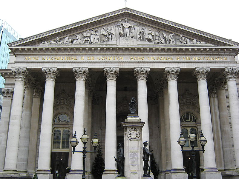 An image of the front of The Royal Exchange in London near Pieces of Time antique pocket watch sellers.
