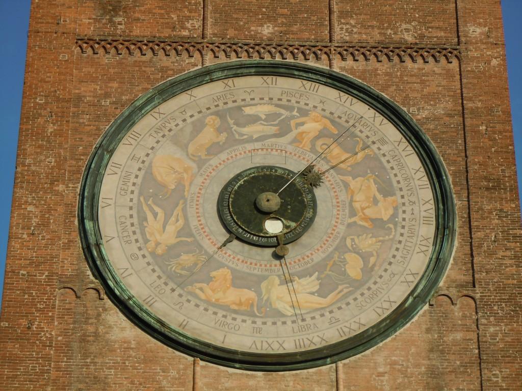 torozza astronomical clock in Torrazzo
